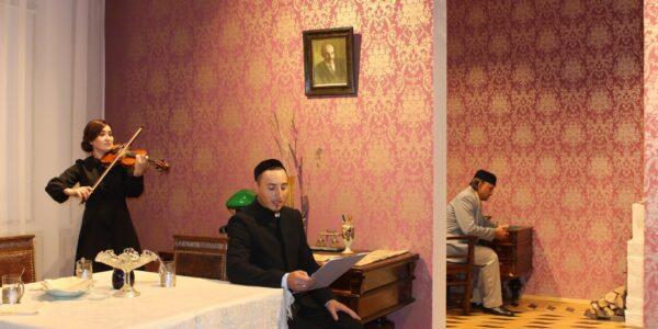 В Доме татарской книги показали «раненые» книги